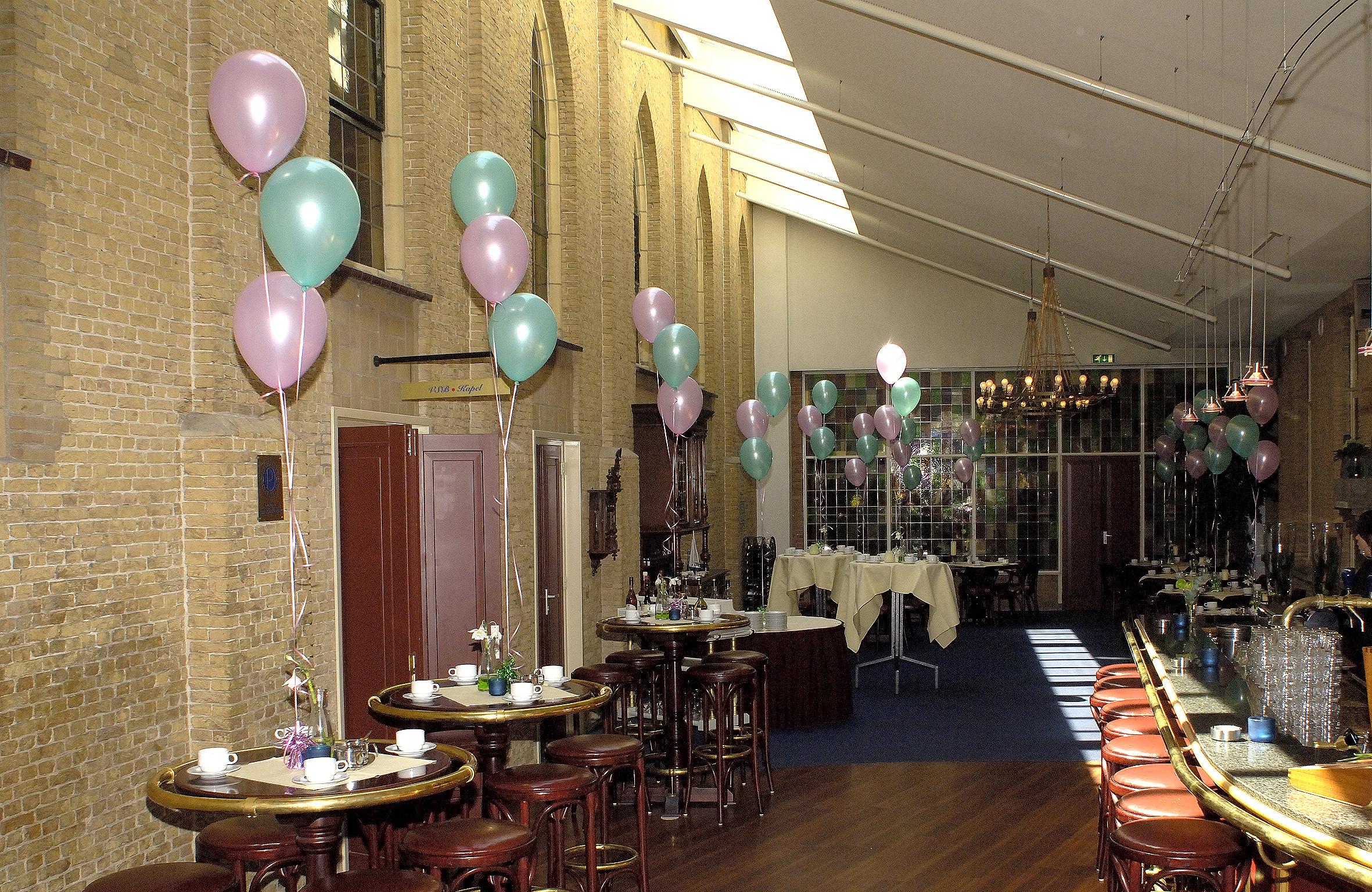 Ballonnendecoratie - Klein ballonset bestaande uit drie heliumballonnen