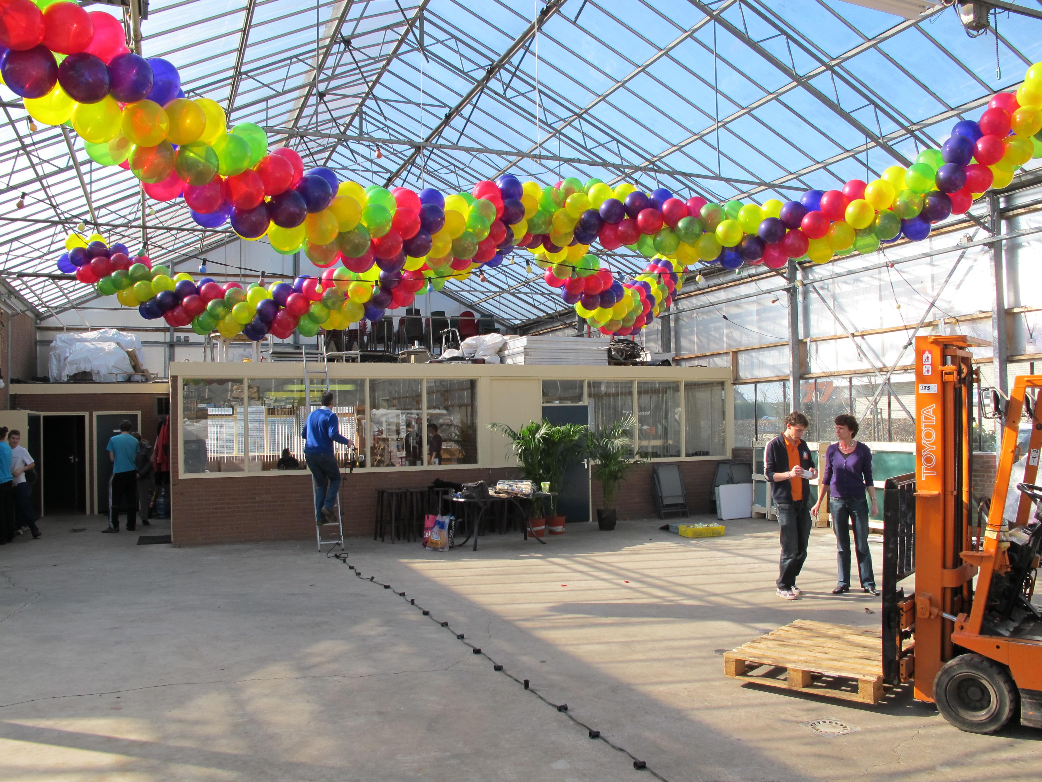 Ballonnendecoratie - Ballonnenstreng/ballonnenslinger gemaakt van 11 inch ballonnen