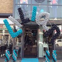 Ballondecoratie: letters van ballonnen